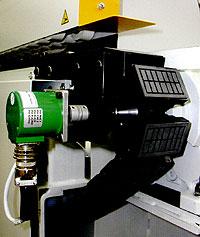 Кромкооблицовочный станок Flexa 200. Подающий конвейер.